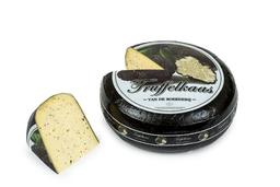 Boerderij kaas met Truffel.
