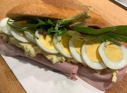 Broodje Ham-en-Ei